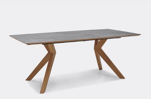 Schösswender Tisch